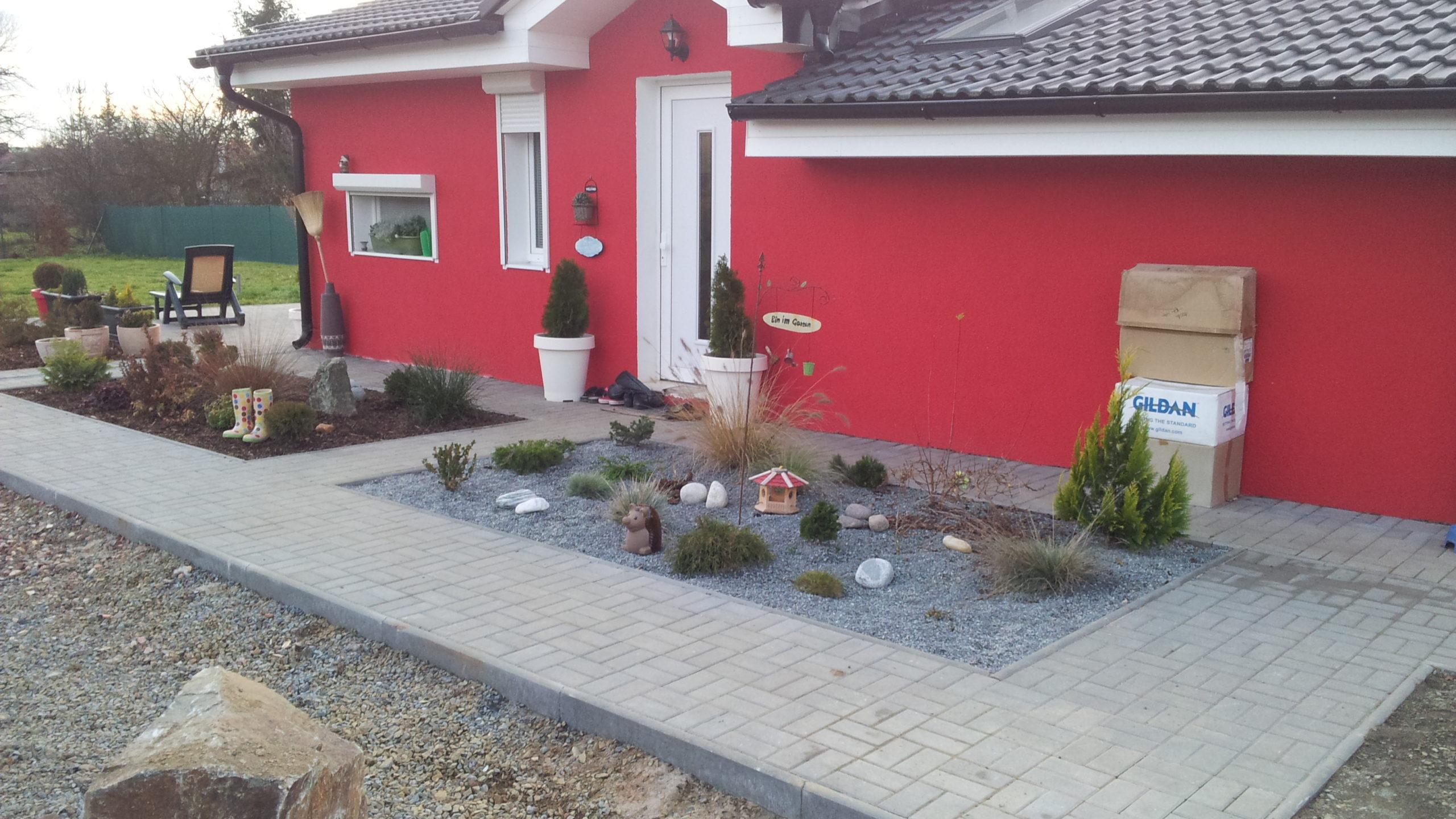 Přehýšov – zahrada, plot, zámková dlažba